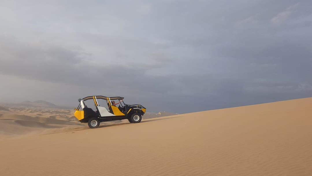 sand-buggy-driving-from-peru
