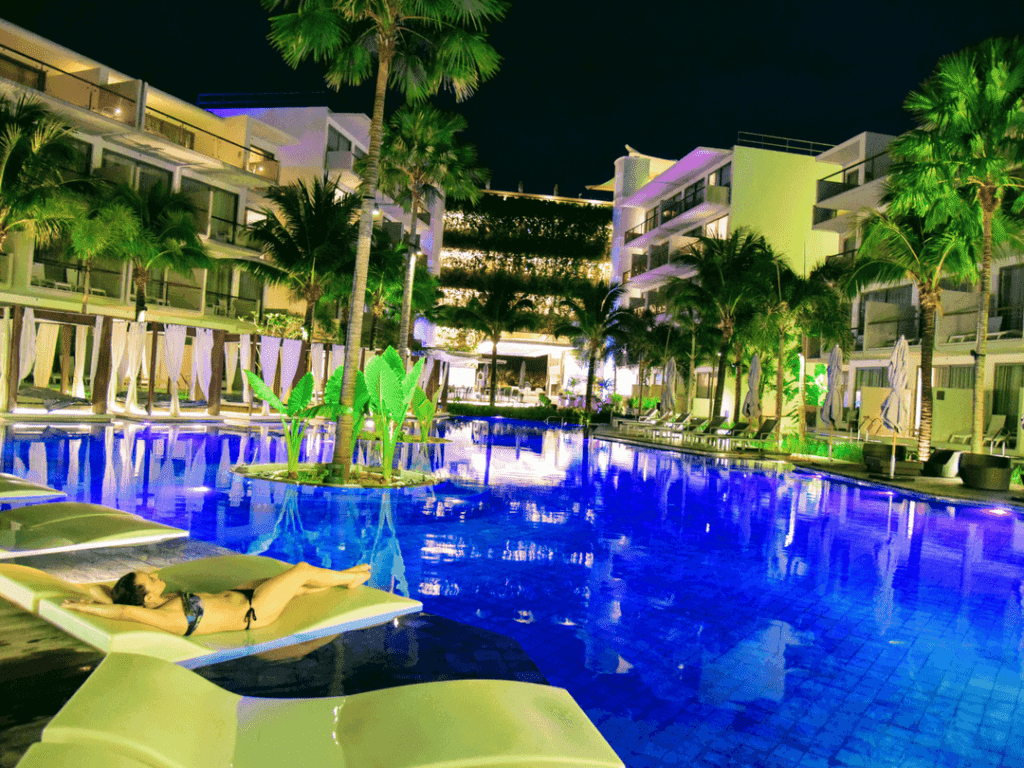 An-image-showing-Dream-Pool-at-night