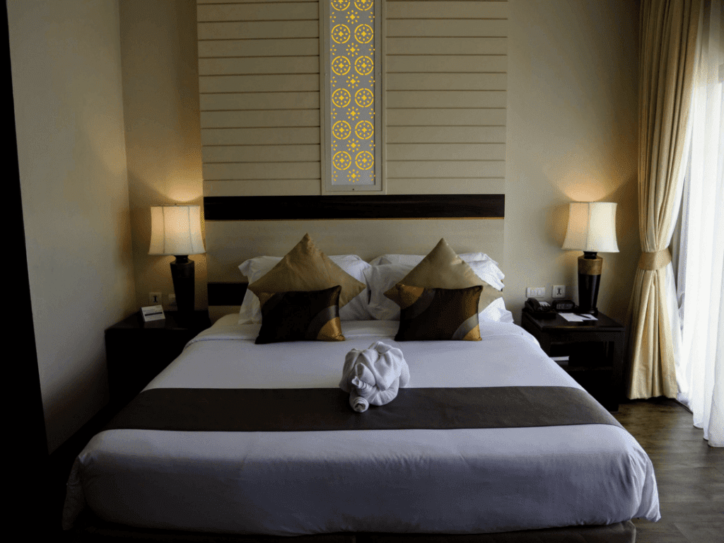 Deevana Plaza honeymoon room