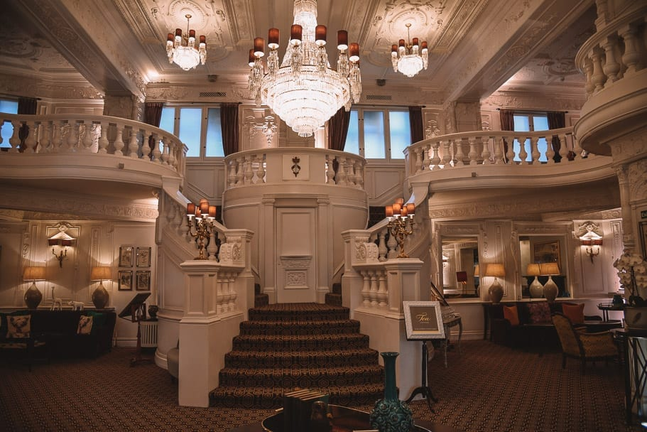 St Ermin's Hotel lobby where you can order the best scones and tea in London