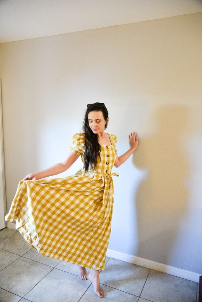 shein-Buttoned-Puff-Sleeve-Belted-Gingham-Dress