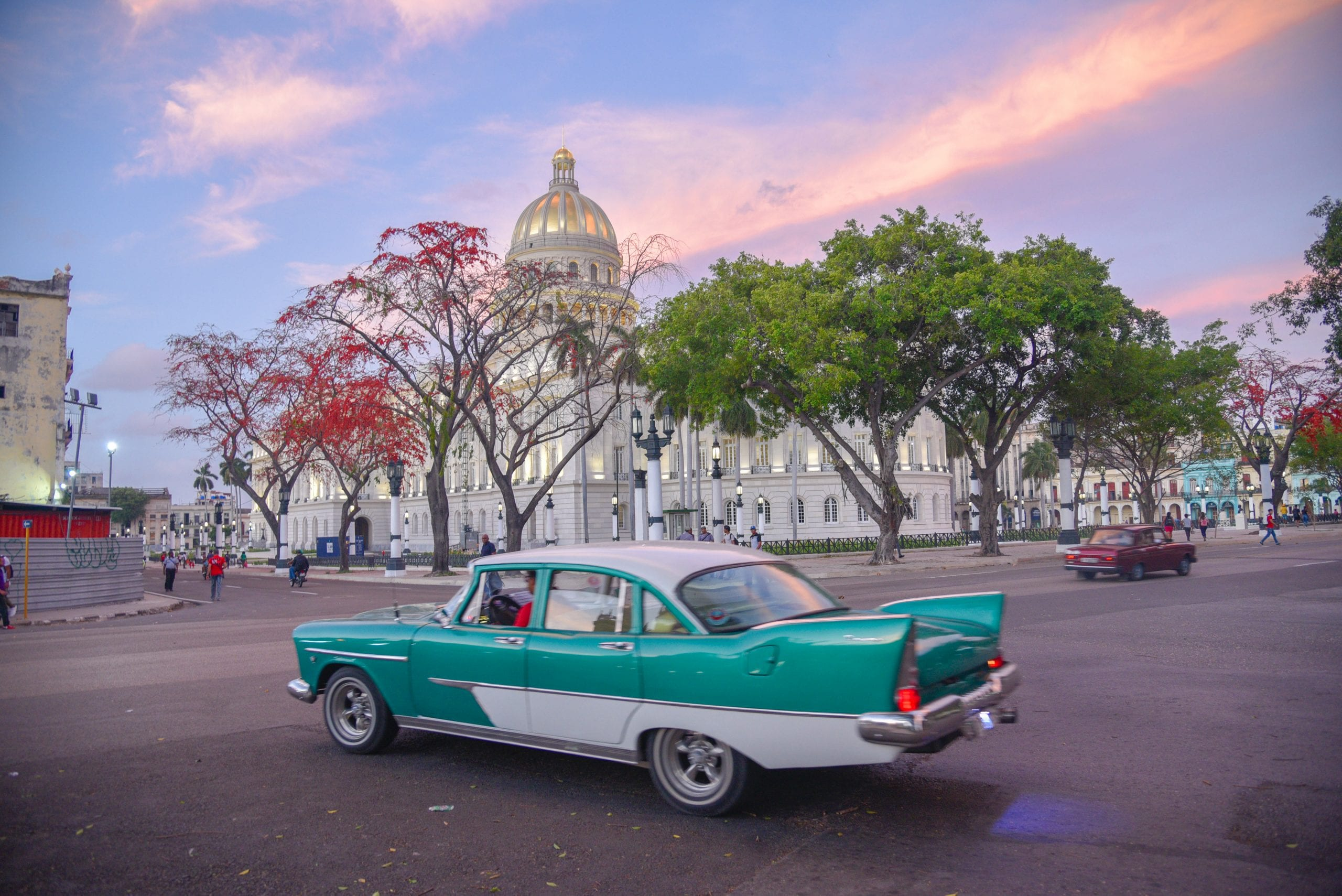 things-to-do-in-Havana-cuba-vintage-cars