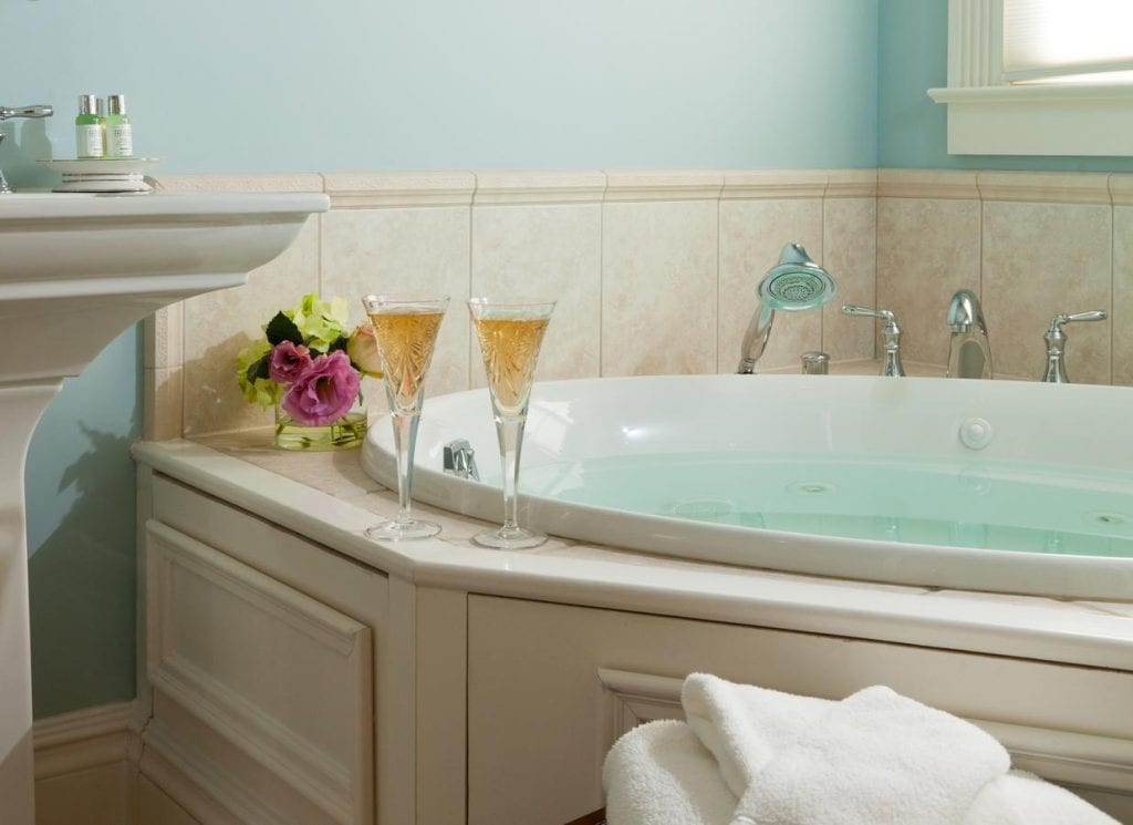 18 Romantic Hotels With Jacuzzi in Room New Jersey
