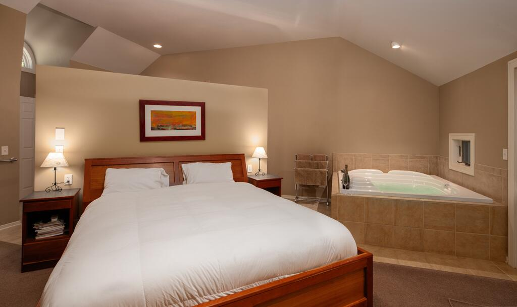 BEST-HOT-TUBS-SUITES-PIGEON-FORGE