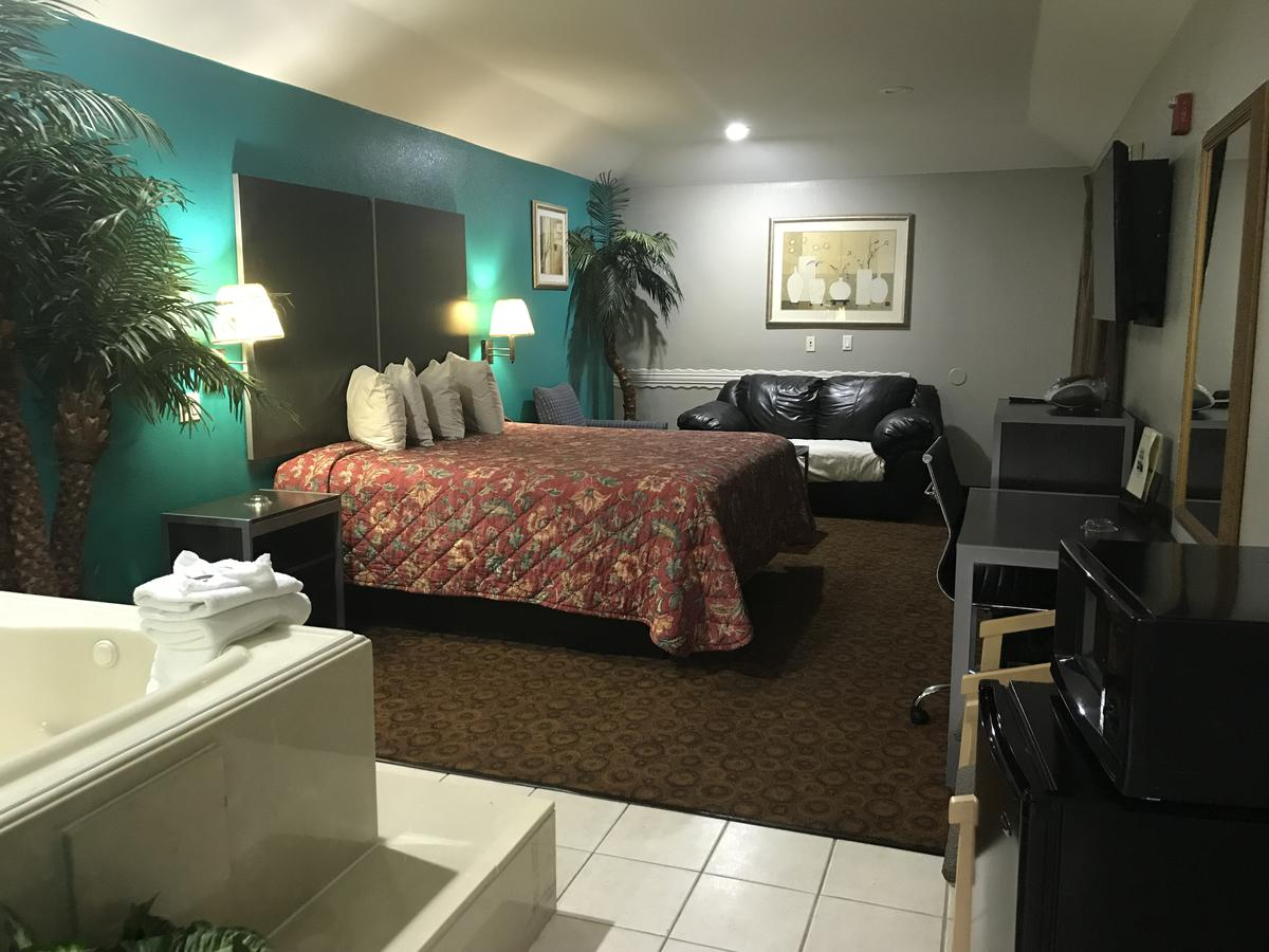 best-whirlpool-hotel-rooms-houston