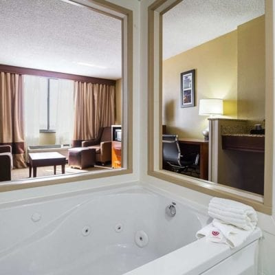 8 Romantic Hotels with Jacuzzi in room Cleveland Ohio (Or Hot Tub)
