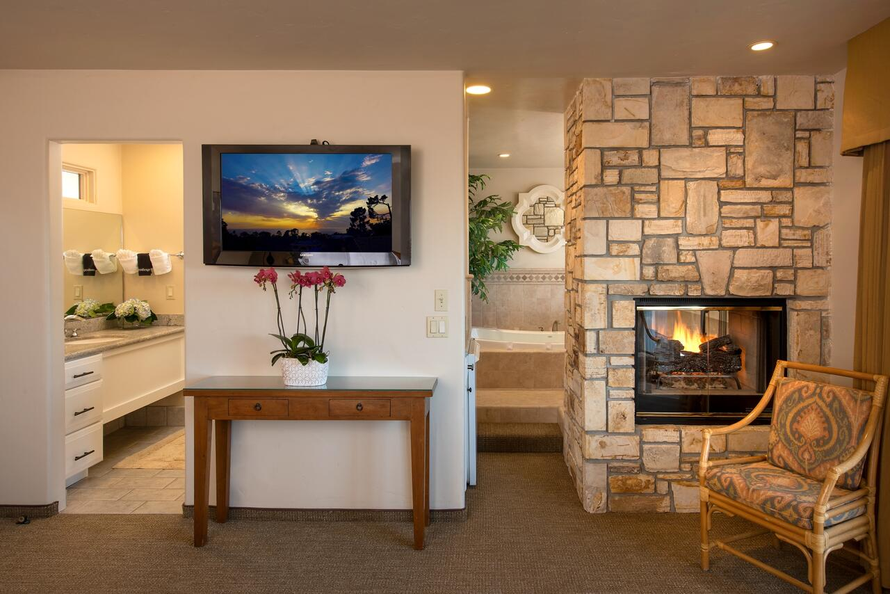 california-hotels-with-hot-tub-and-fireplace
