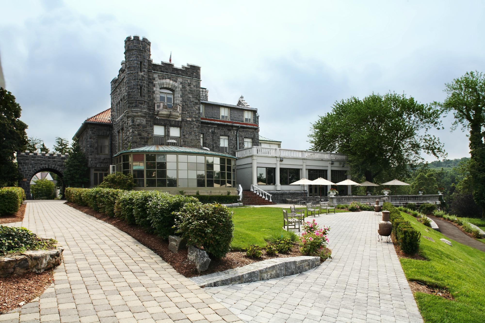 tarrytown-house-estate