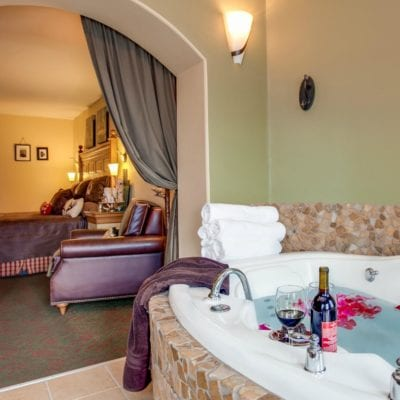 Washington State Hotels with Jacuzzi in Room, Hot Tub or Whirlpool Spas