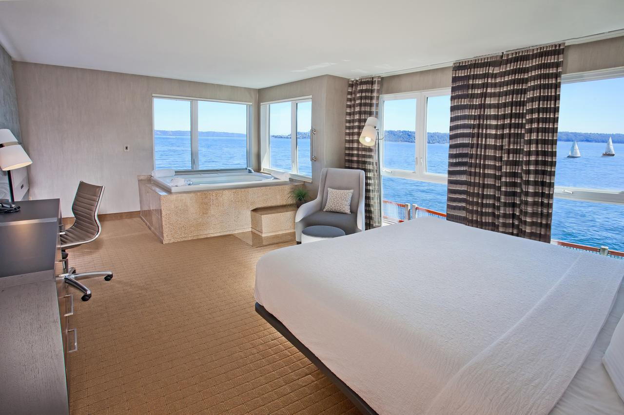 best-hot-tub-suites-with-oceanview-seattle
