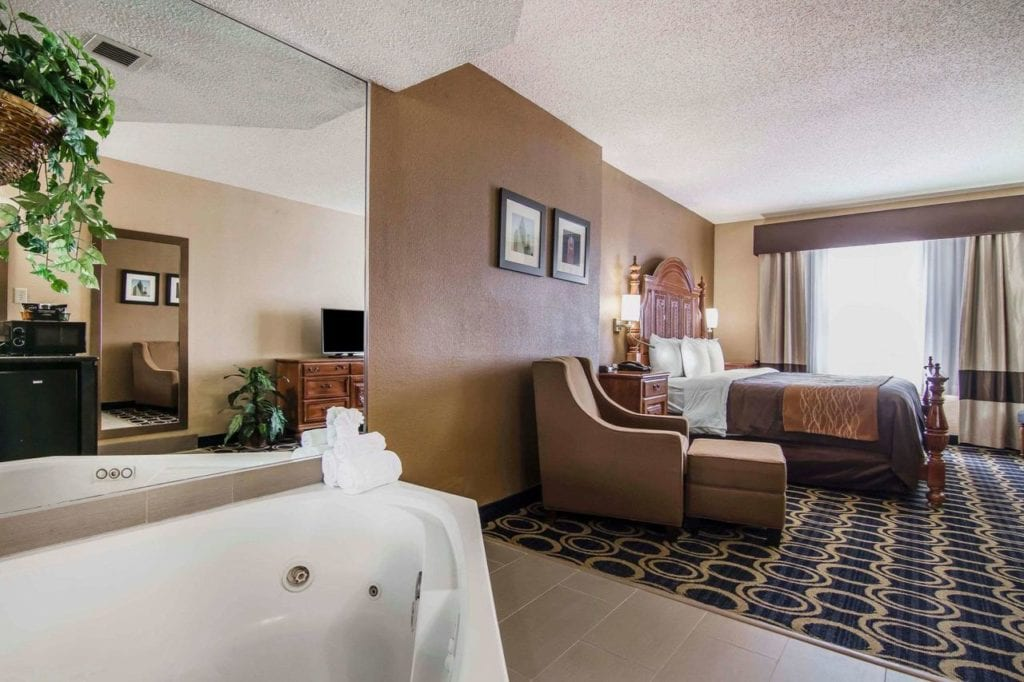 Hotels with Jacuzzi In room Dallas: Romantic Hot Tub Suites in Dallas TX!