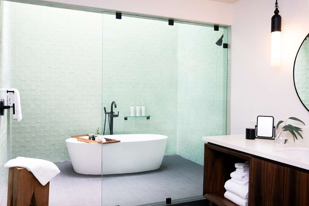 hotels-with-spa-seattle