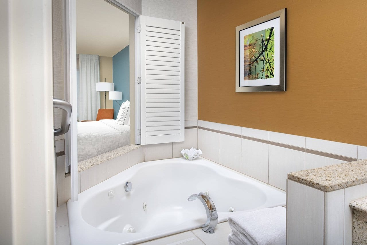 jacuzzi-suites-in-washington