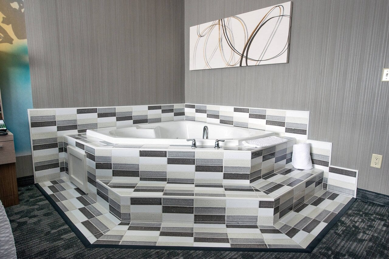 king-guest-room-whirlpool.