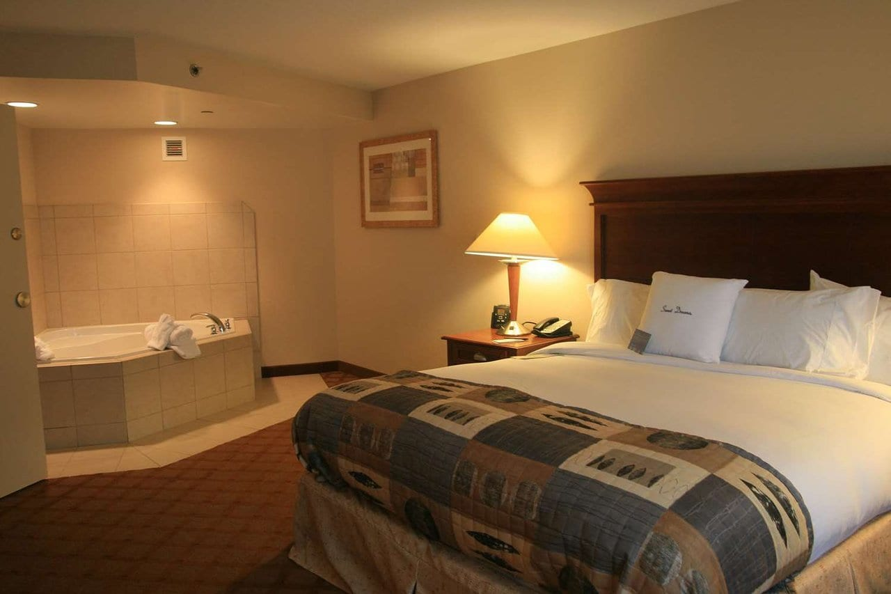 jefferson-city-rooms-with-jacuzzis