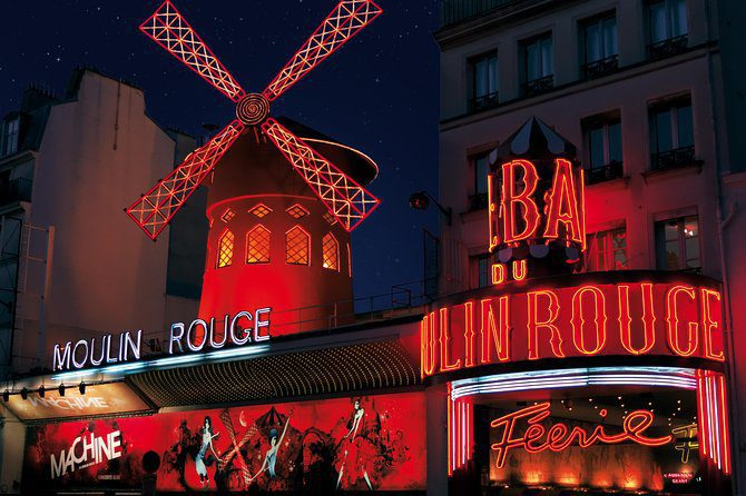 moulin-rouge-romantic-things-to-do-for-couples