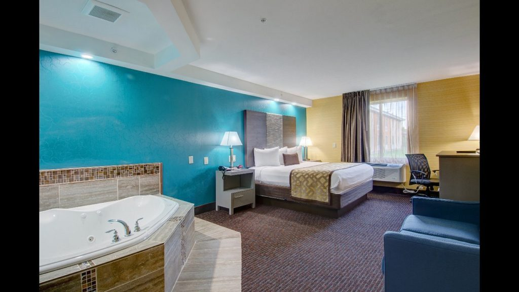 jacuzzi-suites-plymouth-bay