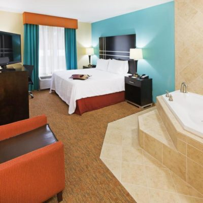 8 Austin Hotels with Jacuzzi in Room: Romantic Hot Tub & Whirlpool Suites
